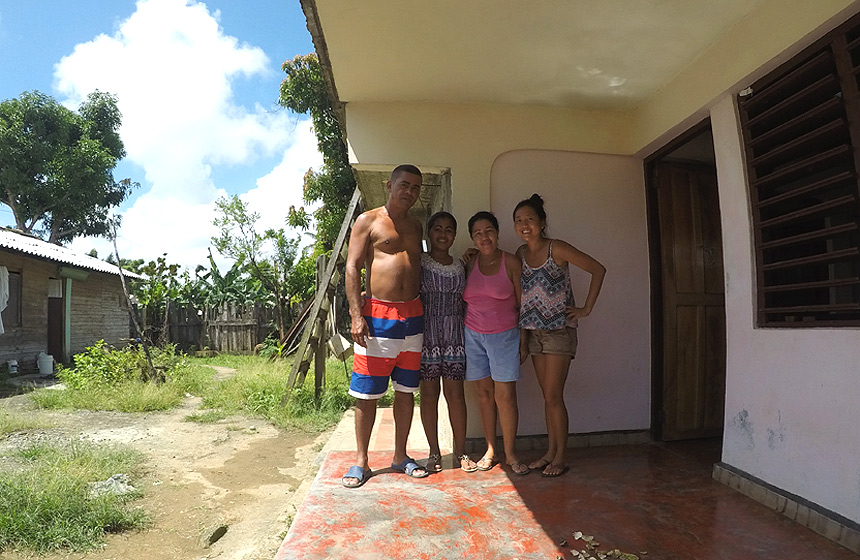 Cuban Stat of mind - Rachelle with cuban family